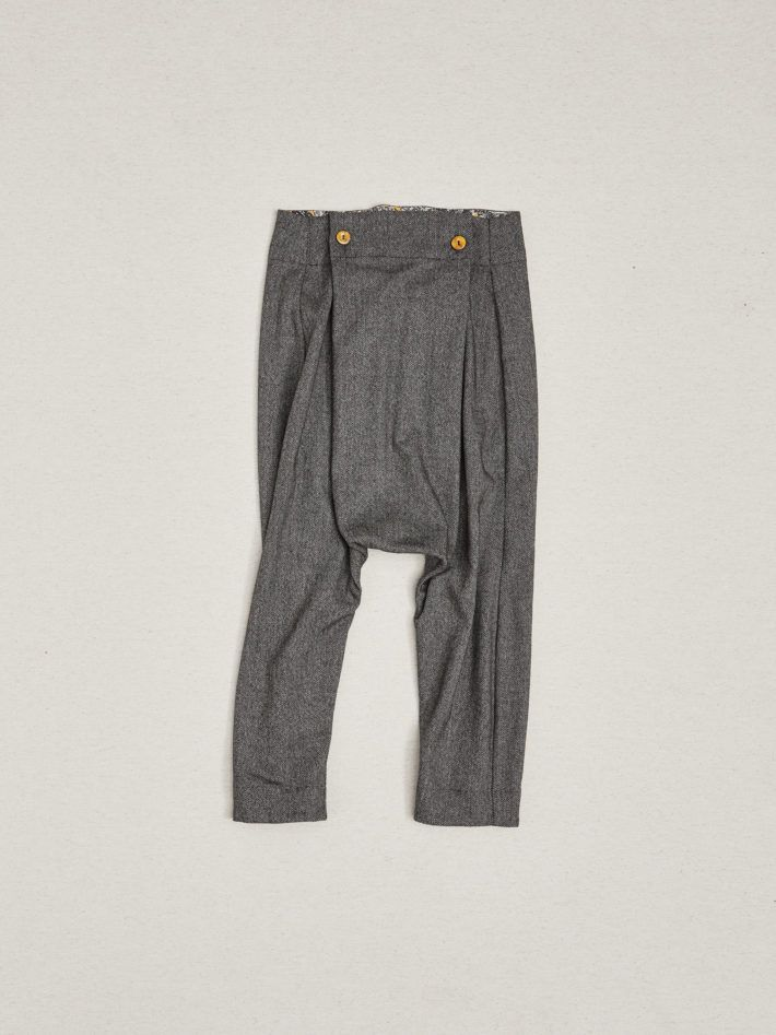JAPANESE TROUSERS BACK POCKETS