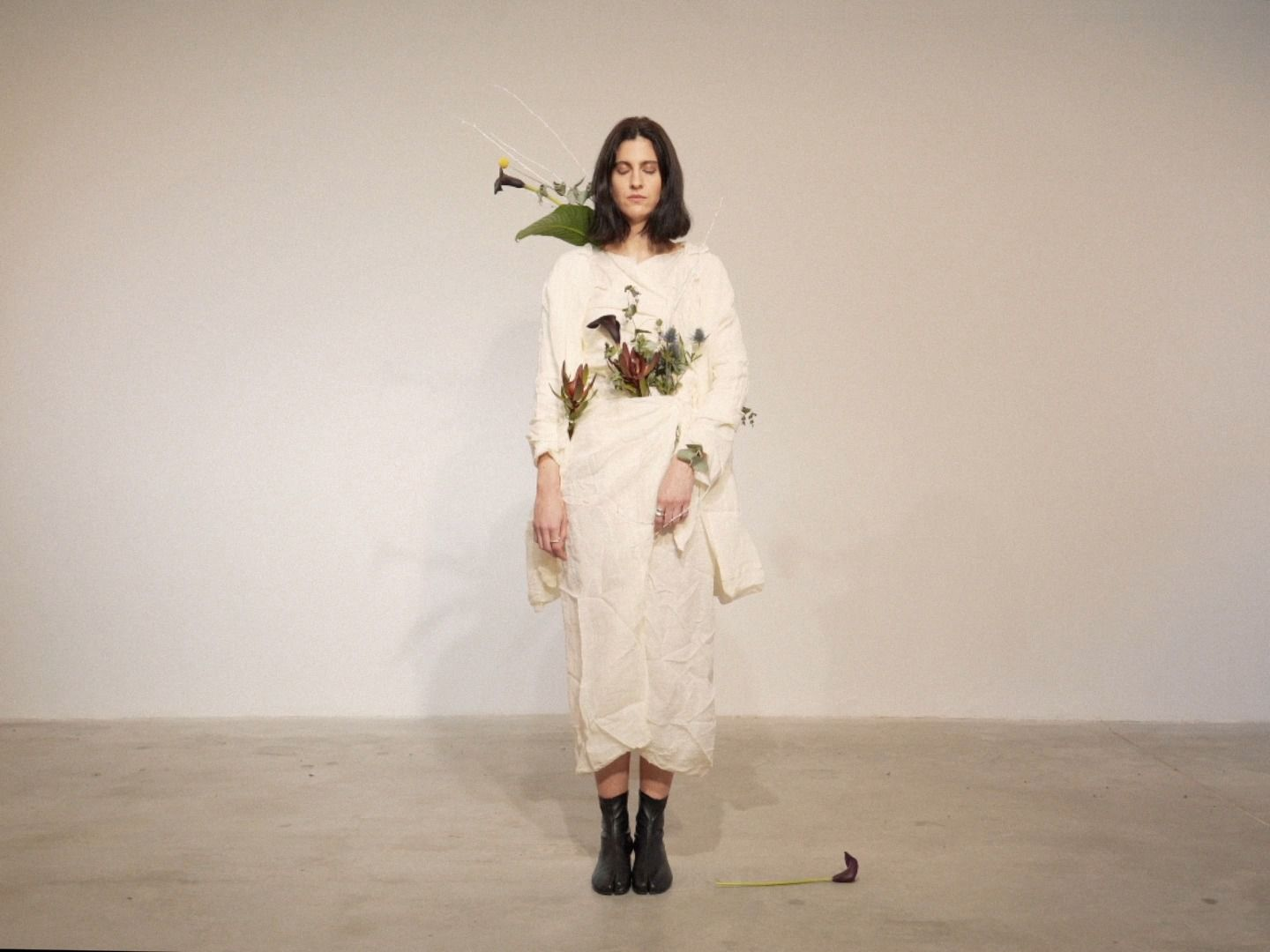 SHIRT, SKIRT AND COAT IN LINEN VOILE, COTTON AND SILK